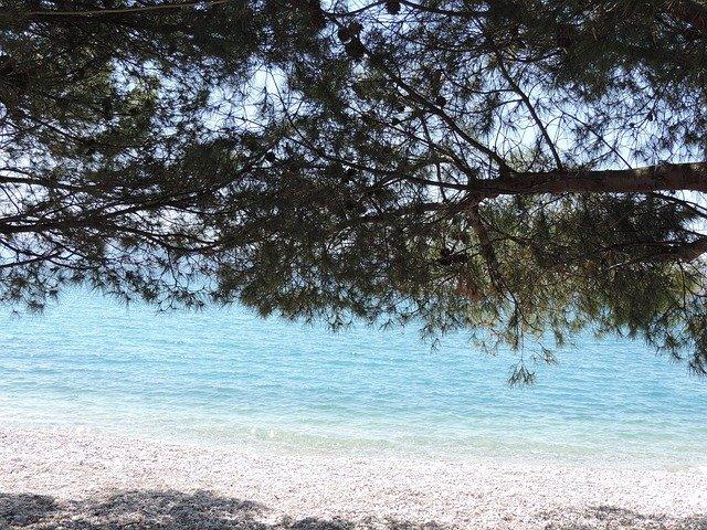kamenná pláž