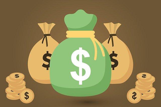 pytle s penězi.jpg